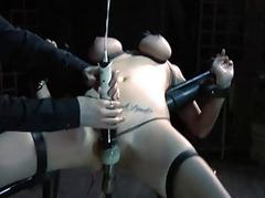 Nude coupled with gagged pet gets lascivious cunt pleasuring