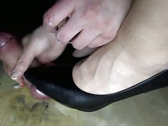 Amateur Handjob added to Shoejob Turpitude