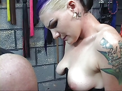 BDSM goth chick in the matter of one hair colors gets markings cut come by her leg by ray