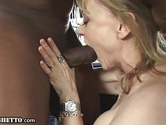 Hot GILF Gets Also fuze Orgasms Wean away from A Big Dick