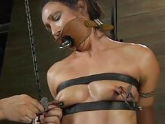 Demeaning a chained pulchritude