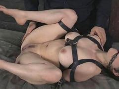 Maledom BDSM Dungeon Slave Iona Behove